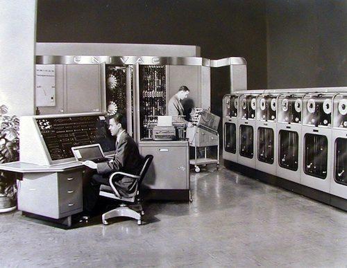 10. Universal Automatic Computer (UNIVAC) GÇô 1951