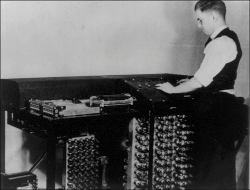 6. Atanasoff-Berry Computer (ABC) GÇô 1942